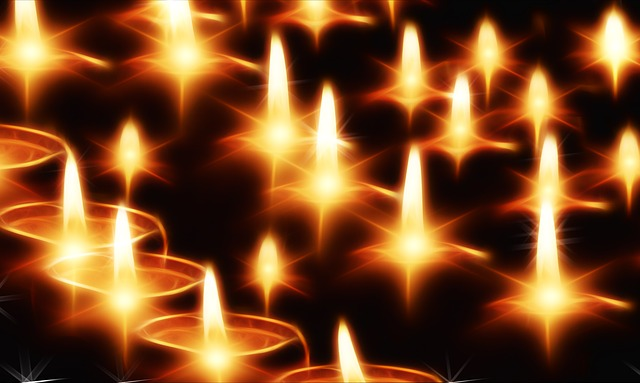 candles-sml-141892_640